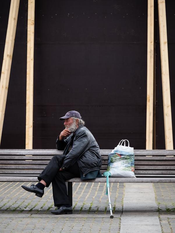 homme sur un banc / Ceske Budejovice (2016)
